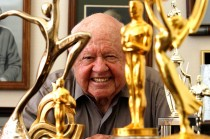Aktor Mickey Rooney Meninggal Dunia