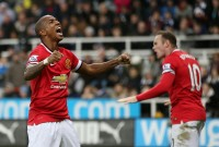 Gol Telat Ashley Young Bawa MU Raih Tiga Poin di Kandang Newcastle