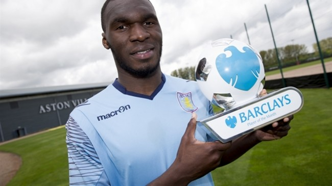Christian Benteke Raih <i>Player of the Month</i>