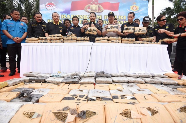 9 Suspects Facing Death Sentences Over 2 Tons of Marijuana
