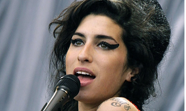 Film Dokumenter Amy Winehouse Diprotes Orangtuanya