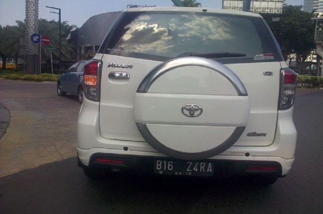 Cars with Modified Plates Rampant in Jakarta