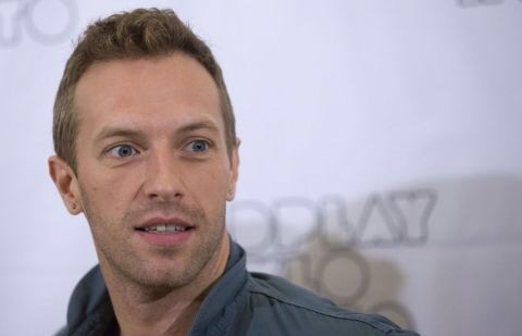 Gitar Chris Martin & Pistol James Bond Dilelang