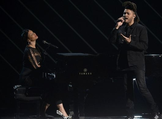 The Weeknd Duet dengan Alicia Keys Bawakan Soundtrack Fifty Shades of Grey