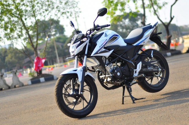 Agresifnya Sosok All New Honda CB150R Streetfire