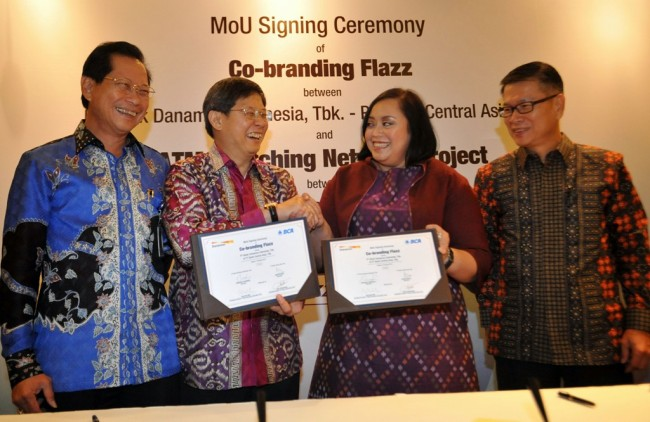 Danamon-BCA-Rintis Kerja Sama <i>E-Money</i> Flazz