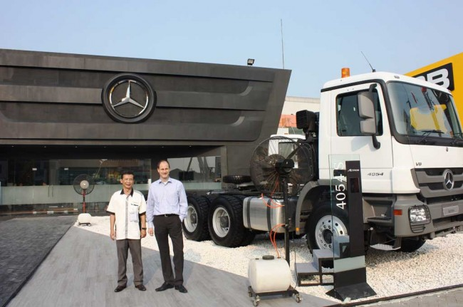 Mercedes-Benz Indonesia Ramaikan Mining Indonesia 2015
