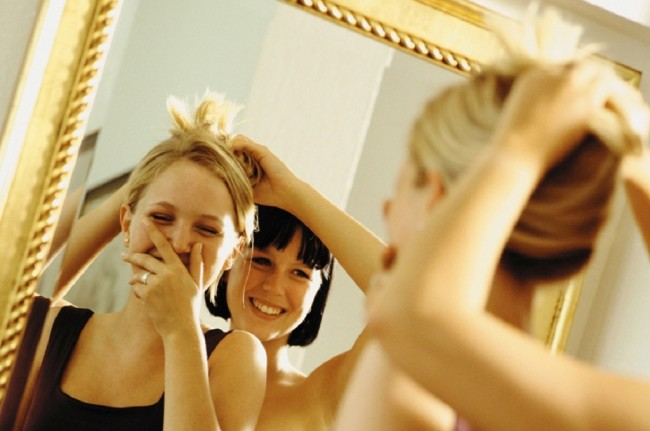 Average Teens Spent 7.7 Hours per Week in Front of the Mirror