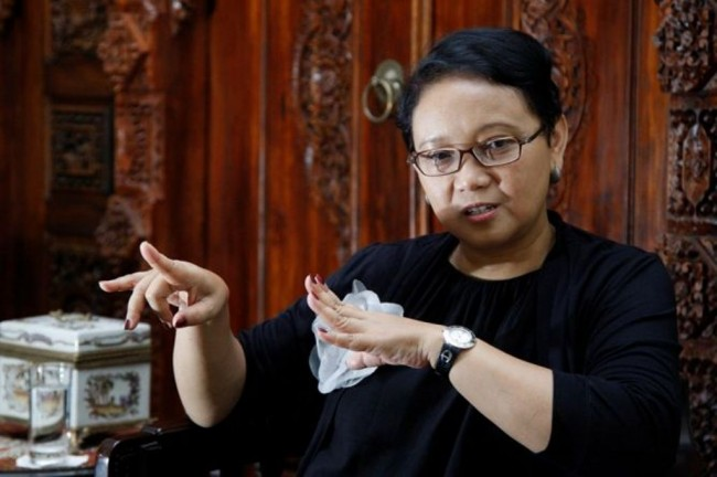 FM Ensures Two Indonesians Held Hostage in PNG Alive