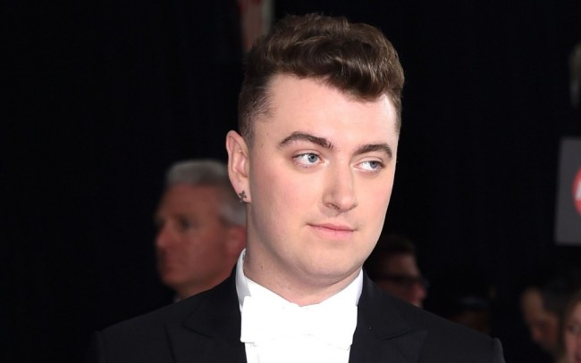 Sam Smith Perdengarkan Penggalan Soundtrack James Bond