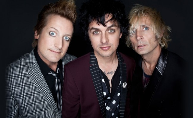 Green Day Rilis Trailer Film Dokumenter 'American Idiot'