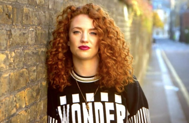 Alasan Jess Glynne Beri Judul Albumnya 'I Cry When I Laugh'