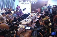 DPR-Minister Hold Teleconference with Haze Victims
