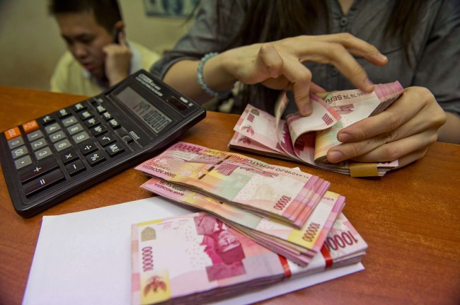 This Morning, Rupiah Strengthened to Rp13,607/USD