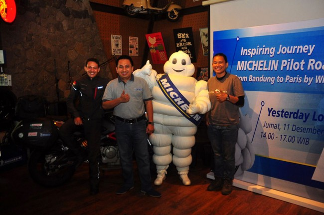 Michelin Pilot Road 4, Temani Mario Touring ke Paris