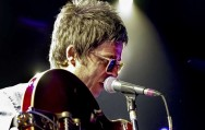Noel Gallagher Juara Single Vinyl Terbaik