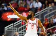 <i>Triple-Double</i> James Harden Bawa Rockets Benamkan Mavericks