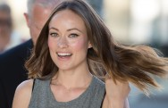 Olivia Wilde Sutradarai Video Musik Terbaru Red Hot Chili Peppers