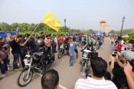 Royal Enfield Ajak <i>Lady Bikers Riding</i> di Himalaya
