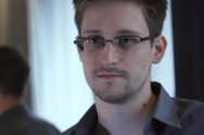 Edward Snowden Rancang Casing iPhone Anti Mata-Mata