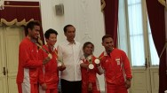 Jokowi Welcomes Olympic Medalists in Palace