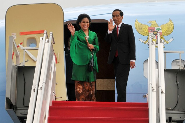 Jokowi Flies to Laos for ASEAN Summits