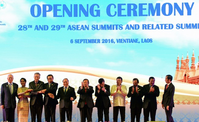 Jokowi Joins Opening Ceremony of ASEAN Summits