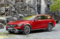 Ini Pesaing Volvo V90 Cross Country Wagon dari Mercy