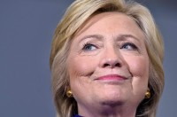 New York Times Dukung Hillary Clinton