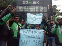 Go-Jek Drivers Hold Protest