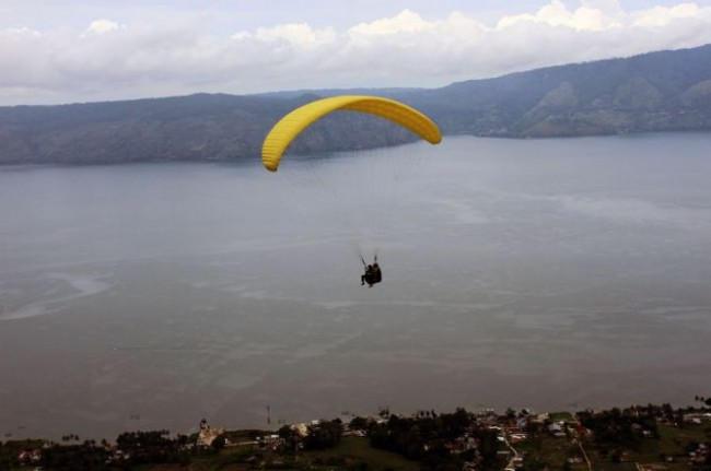 Gov't to Build Infrastructures in Lake Toba