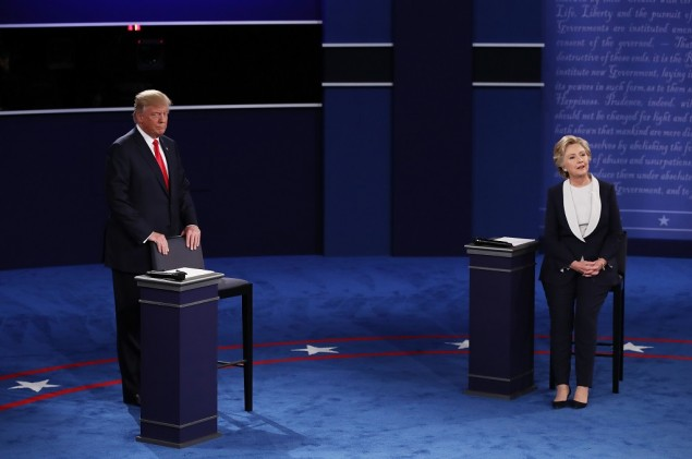 Clinton Nilai Skandal Video Representasikan Jati Diri Trump