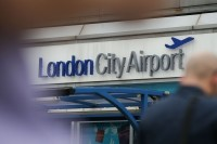 Insiden Kimia, Bandara London City Ditutup