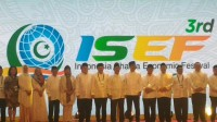 BI Governor Opens Indonesia Sharia Economic Festival