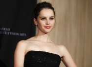 Felicity Jones Mati-matian Rahasiakan Detail Film Rogue One