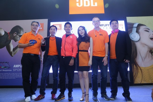 Harman Rilis Dua Seri Headphone JBL Baru di Indonesia