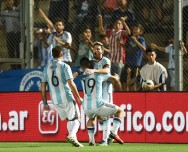 Messi <i>On Fire</i>, Argentina Bantai Kolombia