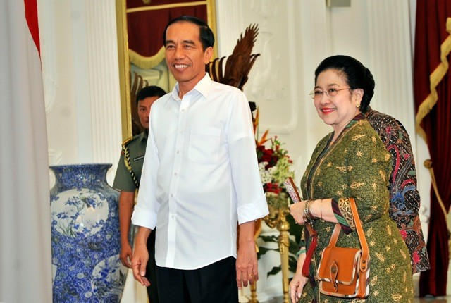 Mega Visits Jokowi at Palace