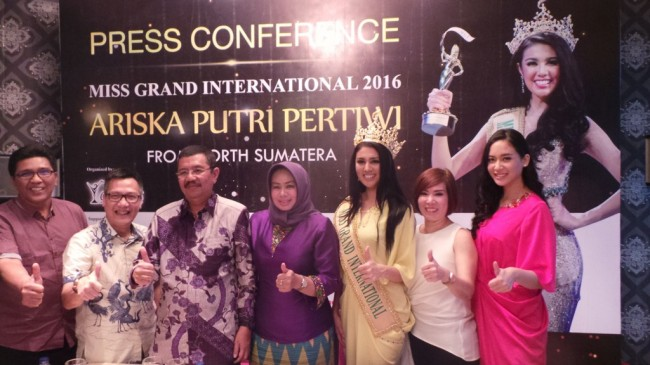 Miss Grand International 2016 Kampanyekan Perdamaian di 10 Negara