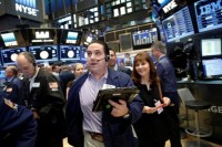 Referendum Italia Dorong Wall Street Menguat