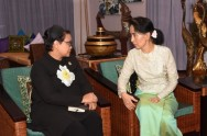 Retno & Aung San Suu Kyi Discuss Rohingya Issue