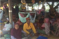 Aceh Earthquake Refugees Need Medicines