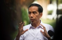 Jokowi Meets Aceh Earthquake Survivors