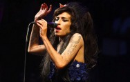 Lagu 'Moth Into Flame' Metallica Terinspirasi Amy Winehouse