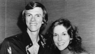 The Carpenters Tuntut Universal Music Group Rp26,6 Miliar