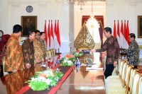 Jokowi Meets With MPR Speaker