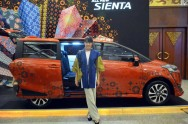 Toyota Ekspansi ke Indonesia Fashion Week