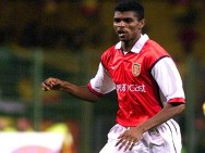 1999: Debut Kontroversial Nwankwo Kanu di Arsenal
