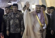 King Salman Meets With Indonesian Interfaith Leaders