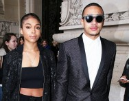 Tampil Modis, Depay Mencuri Perhatian di Paris Fashion Week
